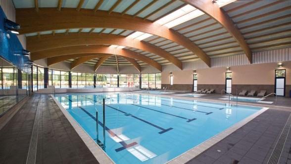Spa i piscina coberta de la selva del camp for Piscina la selva